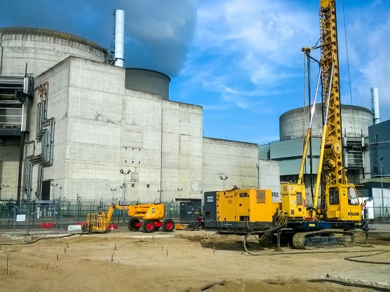 Intervention machine vibrocompactage sur site nucléaire