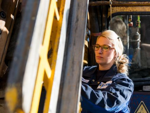 Female Keller engineer working on a rig at Renchen in Germany